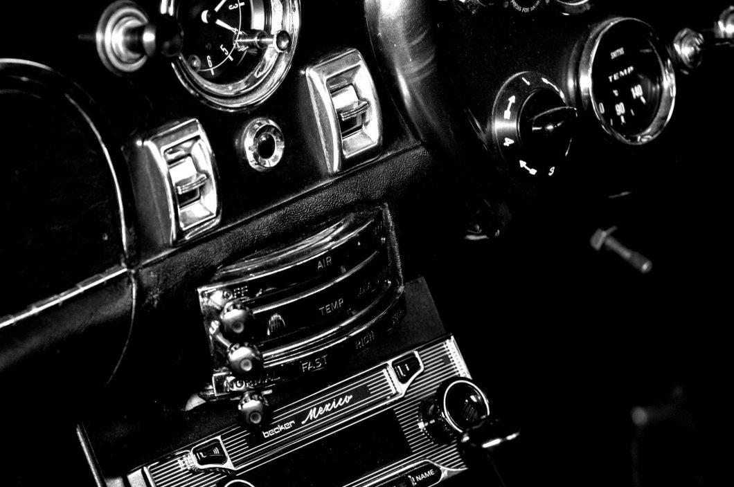 1963-1966-db5-10.-scaled-blackwhite