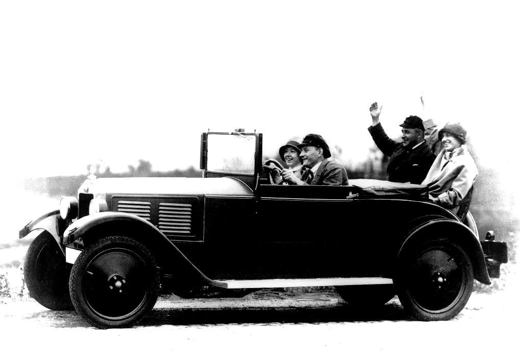 DKW-P15-1928-blackwhite