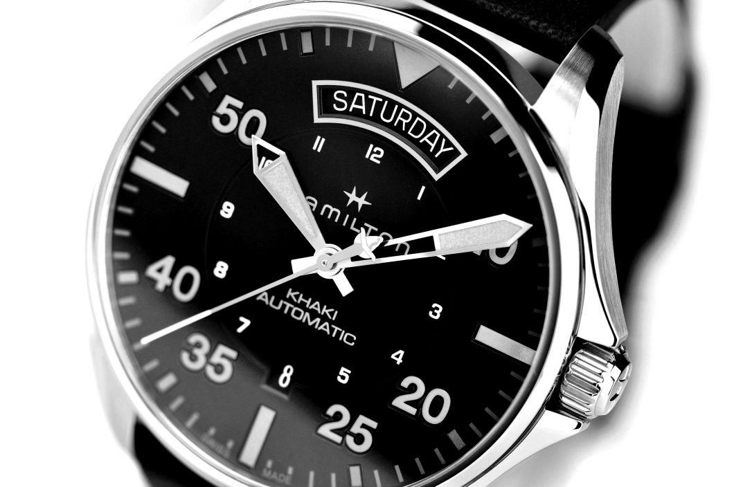 H64625731_Khaki-Pilot-Air-Zermatt_Detail-2-HR-scaled-blackwhite